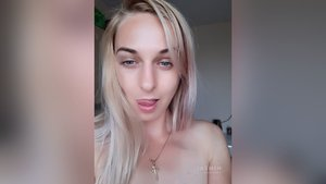 Camgirl asian squirt
