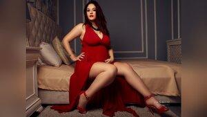Pregnant camgirl