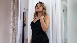 Bisexual webcam girl